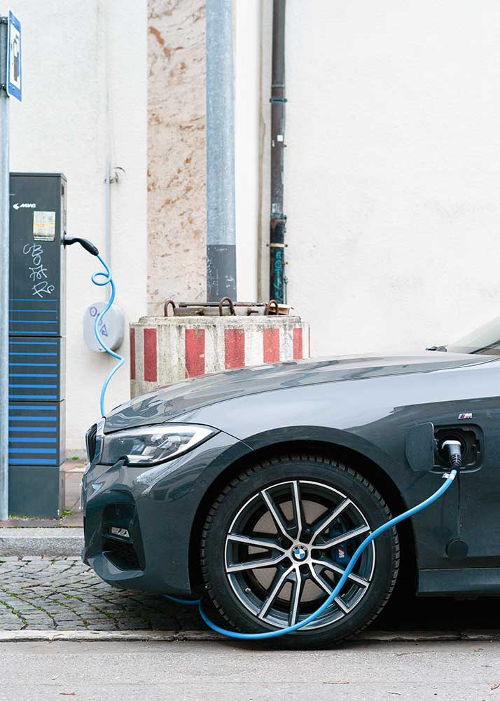 bmw plug-in hybrid car